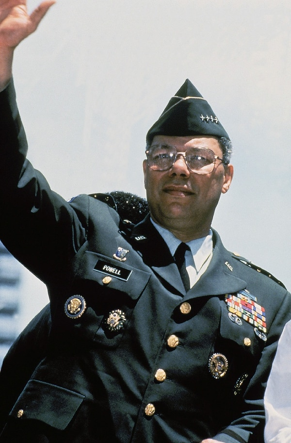 PEO Soldier #Farewell Army Green Service Uniform, 1954-2015. Today is the last day #Soldiers can wear it. U.S. Army General Colin L. Powell at Persian Gulf War Welcome Home Parade in New York City in 1991. #ArmyUniform #USArmy
