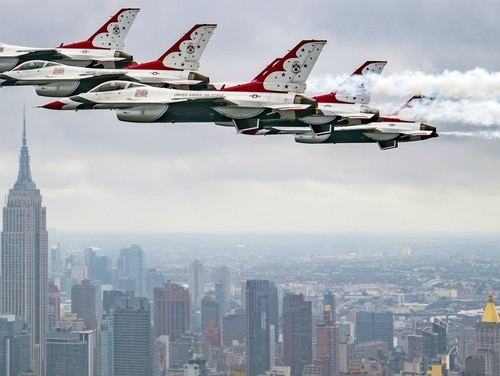 The Thunderbirds Delta formation performs a flat pass while flying past the Empire State Building in New York City, New York, Sept. 17, 2018. (U.S. Air Force Photo by Staff Sgt. Ned T. Johnston)