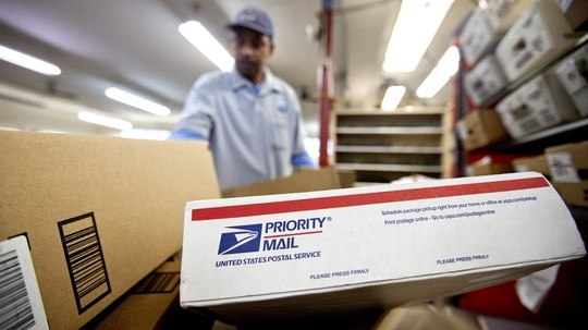 Members of both the Senate and House have expressed opposition to proposed privatization of the U.S. postal Service. (David Goldman/AP)