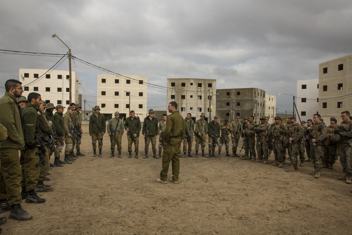 Marines arrive in Israel