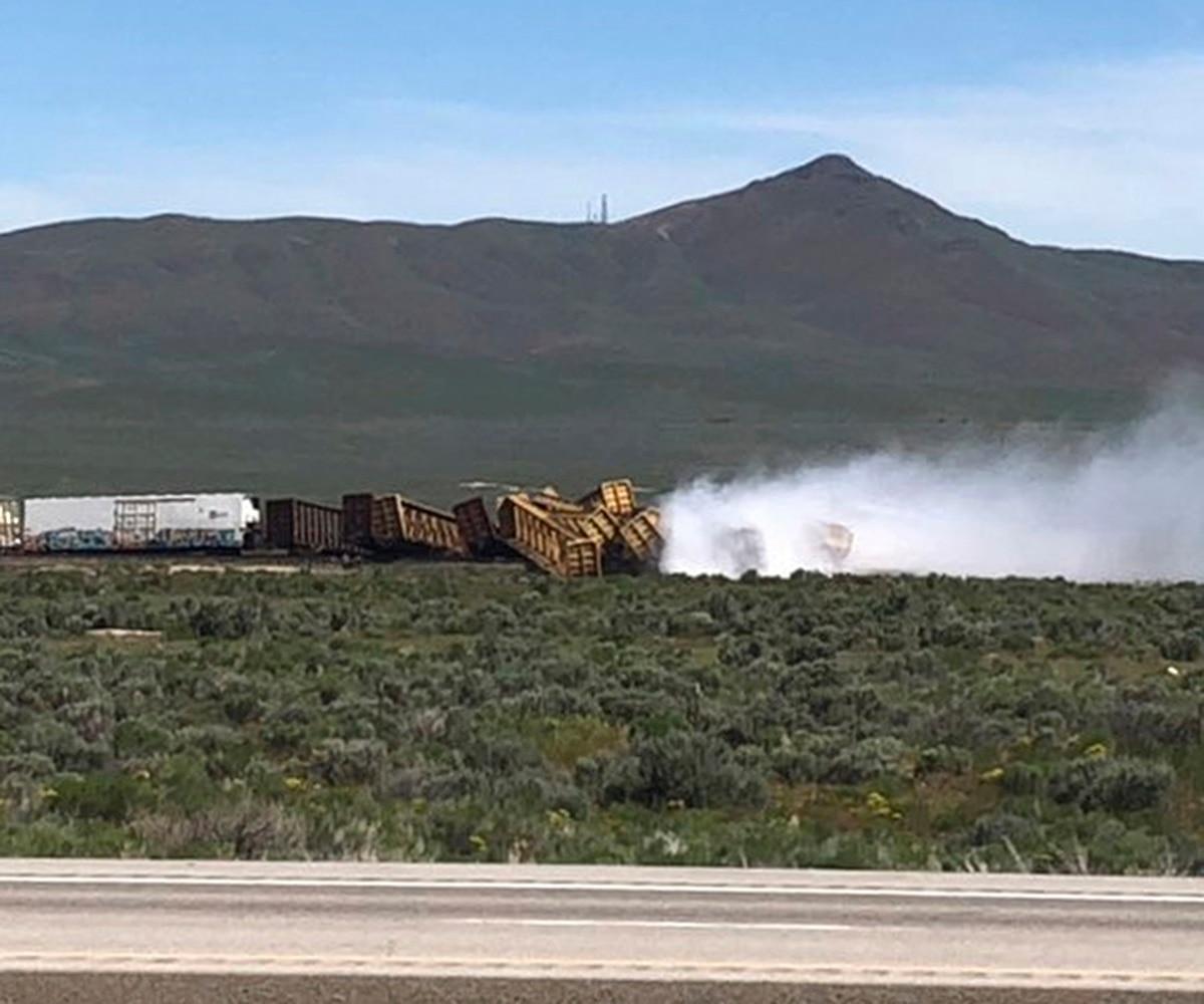 Train carrying munitions derails near Nevada-Utah line
