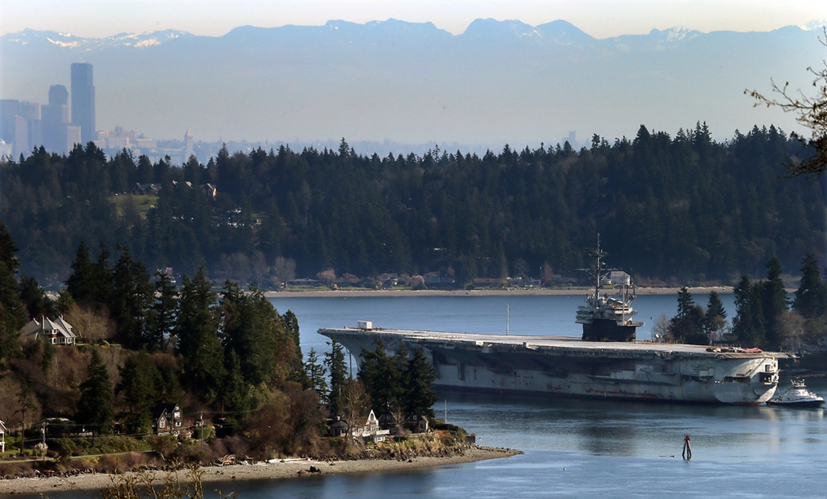 USS Ranger makes last ride from Bremerton into the sunset