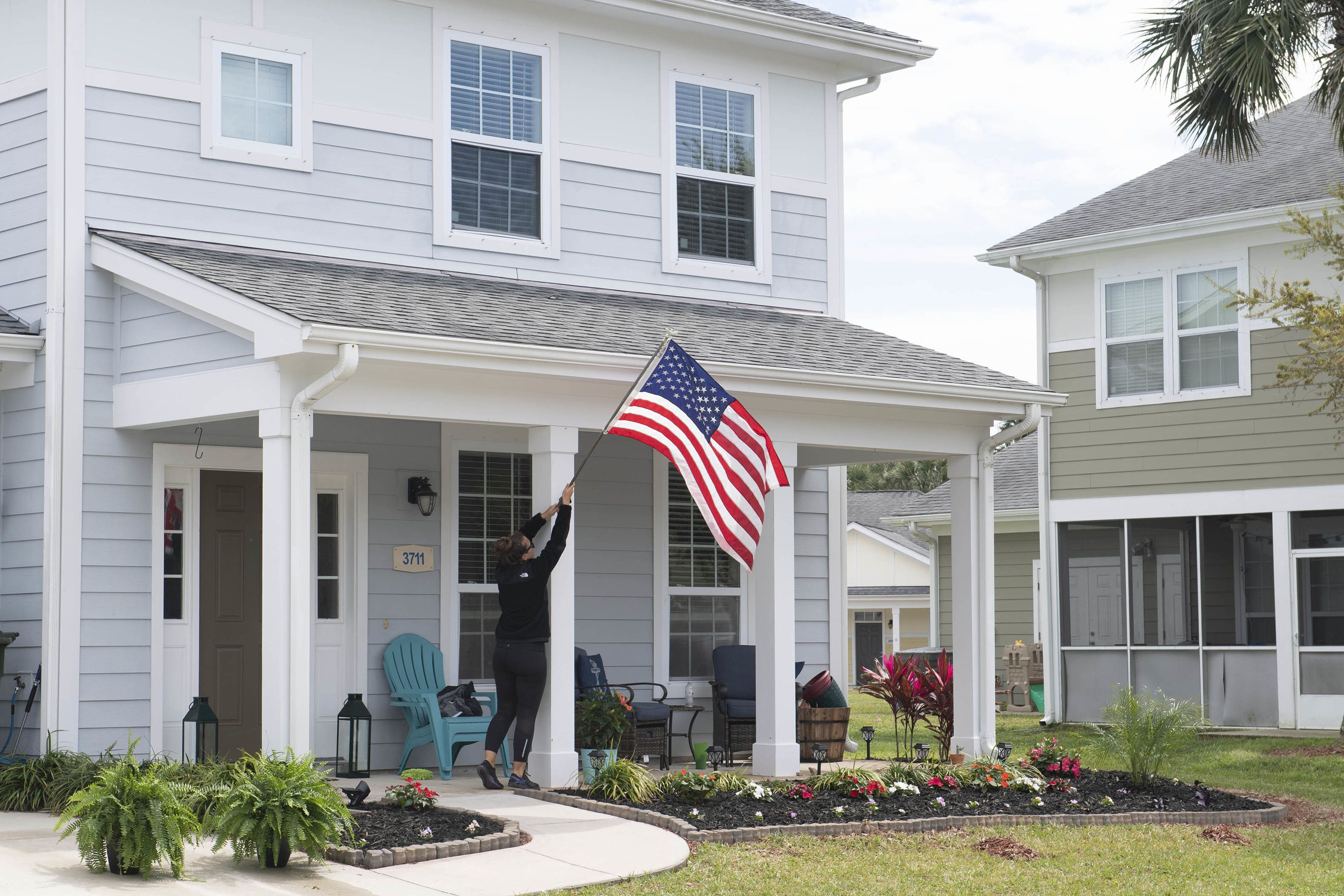 New law expands VA loan eligibility for Guard, COVID-19 vets