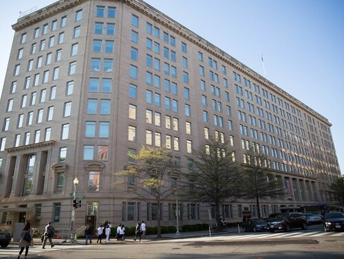The Department of Veteran Affairs headquarters in Washington, D.C., shown in April 2016. (Alan Lessig/Staff)