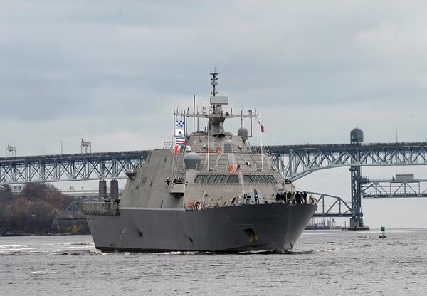 The future littoral combat ship USS Sioux City (LCS 11) transits the Thames River on Nov. 9, 2018, as it arrives at Naval Submarine Base New London in Groton, Conn. (MC1 Steven Hoskins/Navy)
