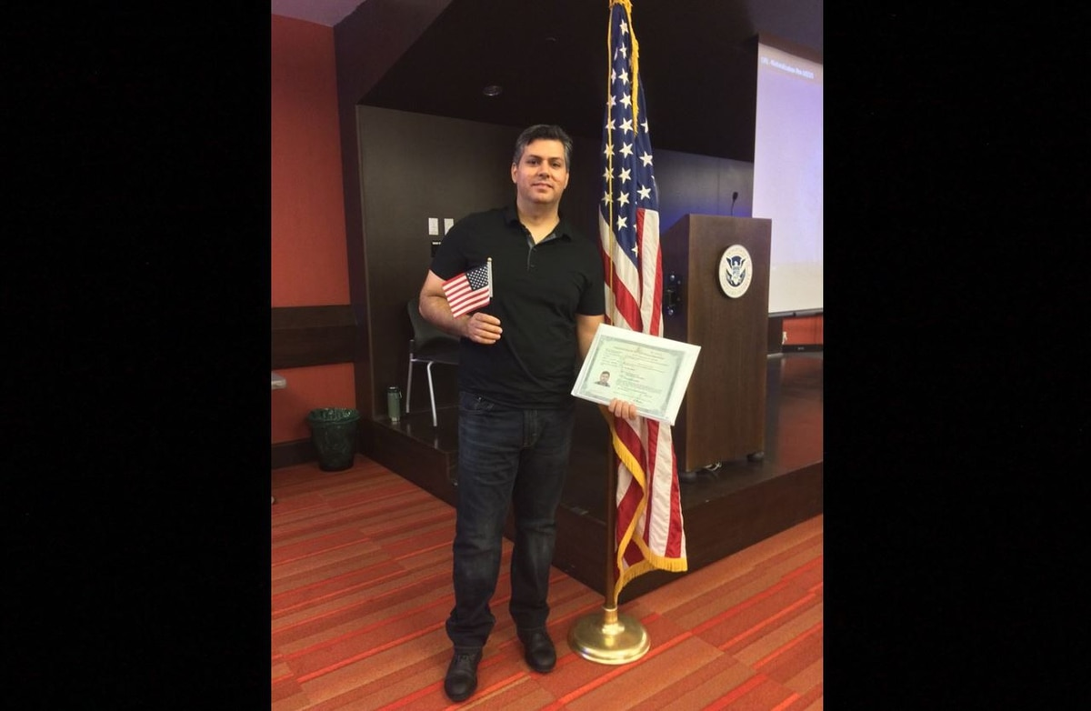 Iraqi interpreter earns US citizenship after being pulled
