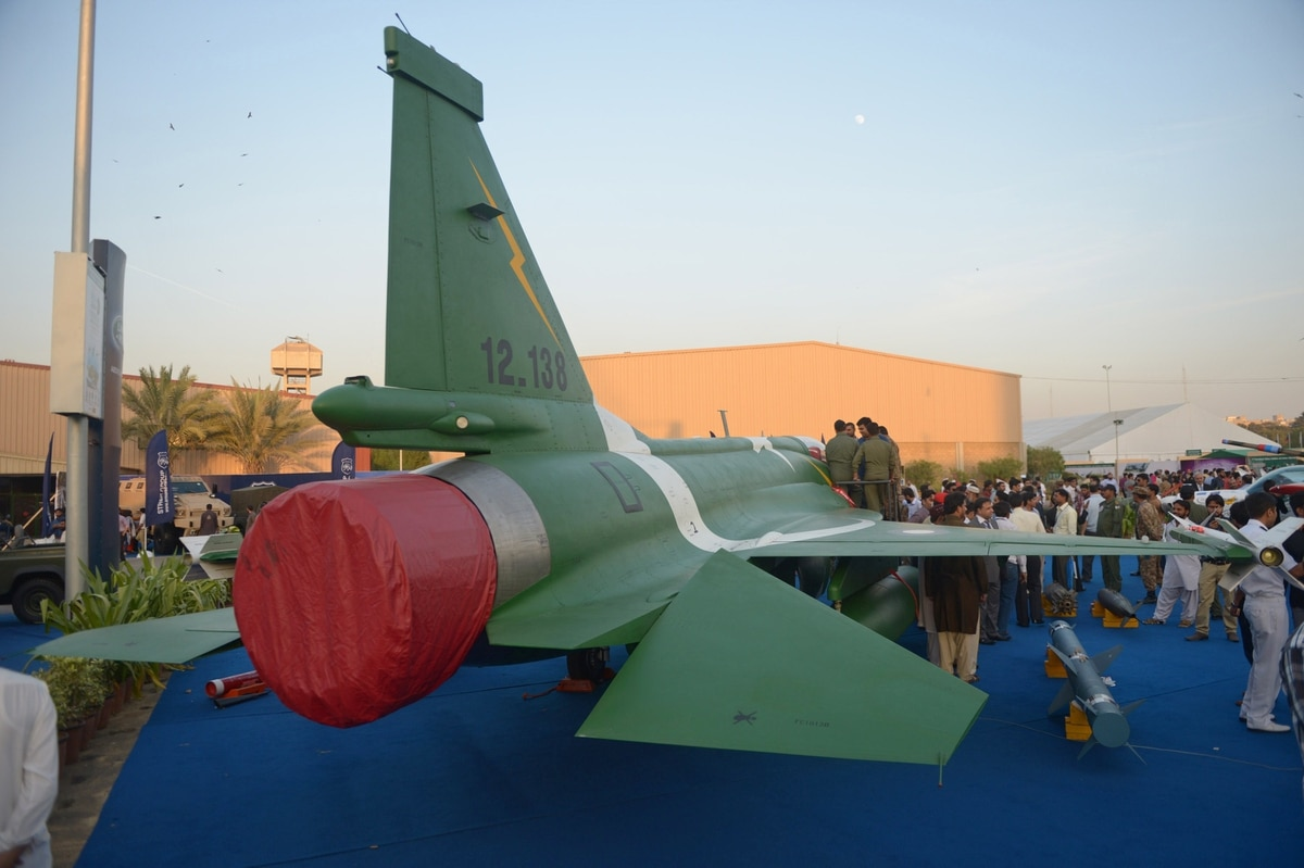 Pakistan To Offer JF-17 Fighters to Bulgaria