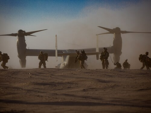 U.S. Marines with India Company 3rd Battalion, 7th Marine Regiment, 1st Marine Division attached to Special Purpose Marine Air-Ground Task Force, Crisis Response-Central Command conduct a tactical recovery of aircraft and personnel exercise August 19. (Cpl. Teagan Fredericks/Marine Corps)