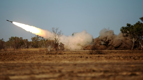 The High Mobility Artillery Rocket System is fired in Bradshaw Field Training Area, Australia July 12, 2015, during Talisman Sabre 15. (Photo: US Marine Corps)