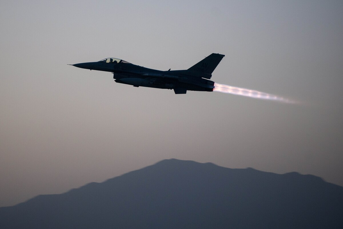 Air Force F 16s fly the most sorties against ISIS, B 1s drop