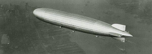 The Graf Zeppelin over Manhattan, 1928. (National Air and Space Museum, Smithsonian Institution)
