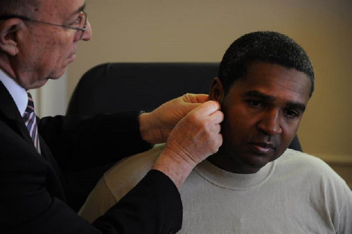 Battlefield acupuncture? Yes, it exists, and the military is using