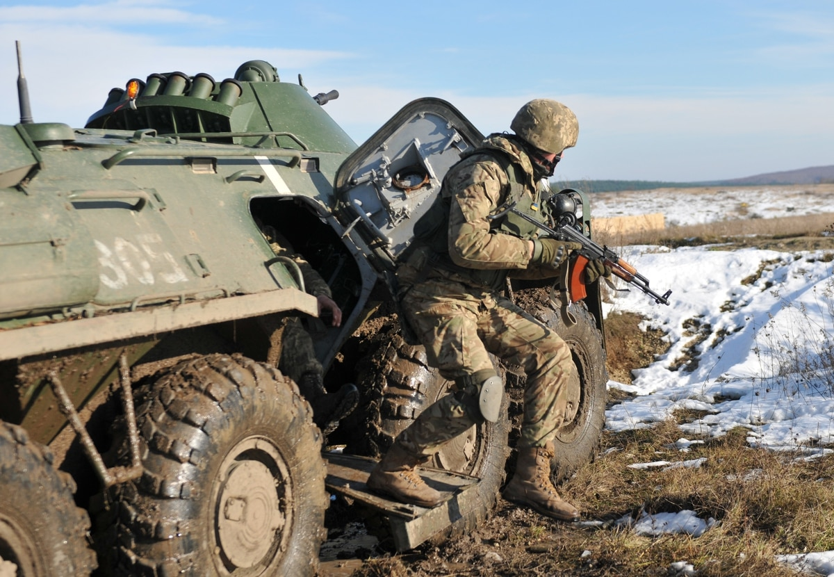 Amid Russia tensions, US Army continues to build up Ukrainian forces, training center