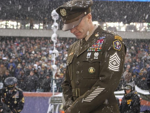 Sergeant Major of the Army Dan Dailey wears an Army Greens prototype to the 2017 Army-Navy game.(Ronald Lee/Army)