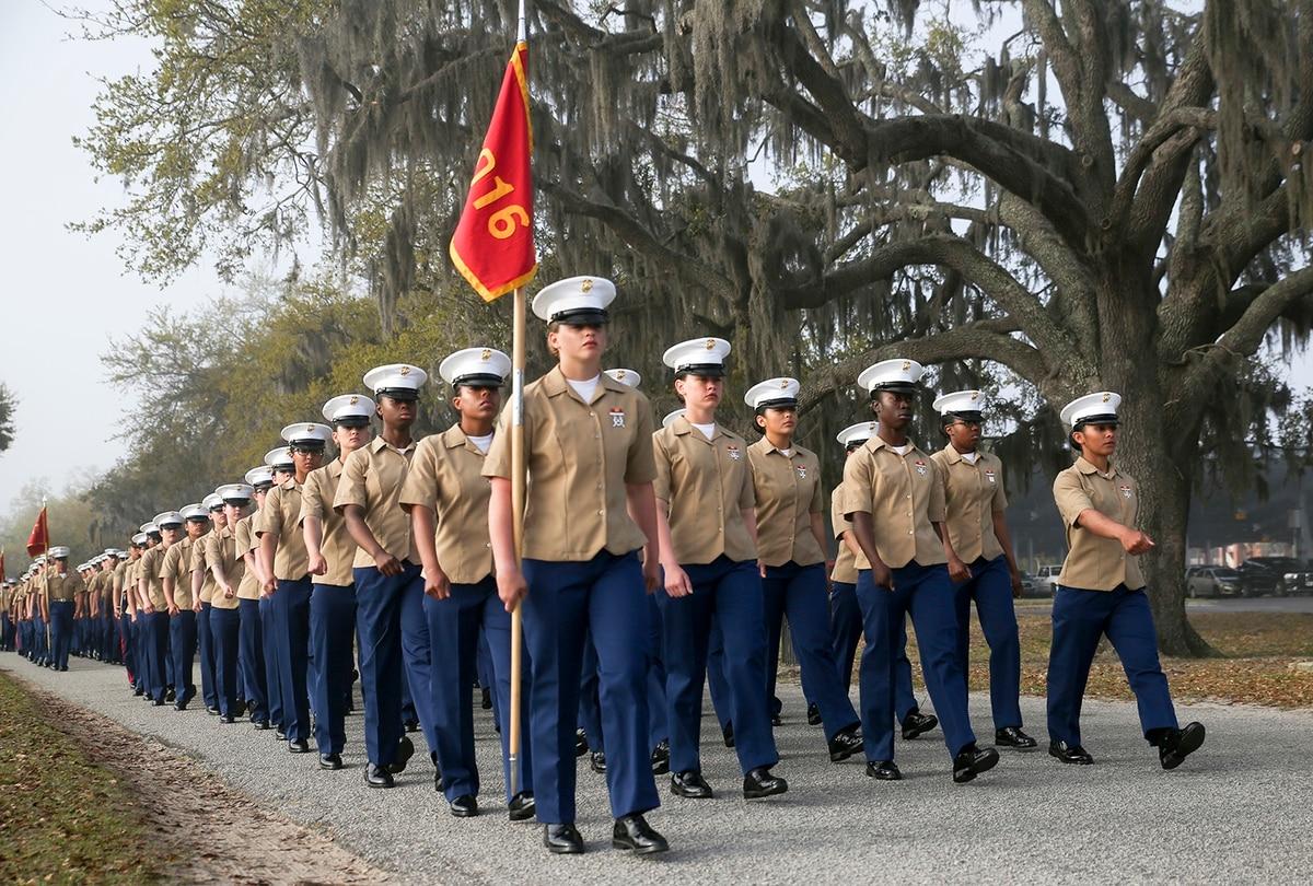 bae9b742af214 Move for more gender integration at Marine Corps boot camp ends ...