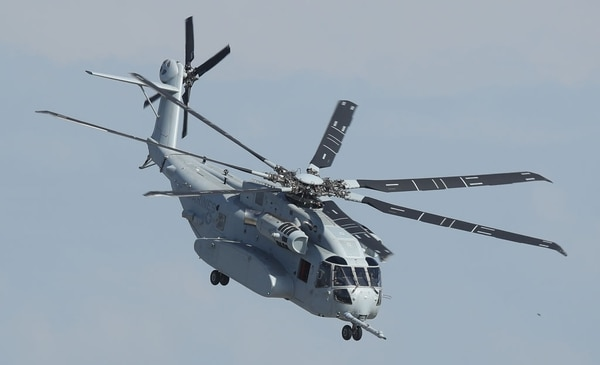 A Sikorsky CH-53 King Stallion flies at the ILA Berlin Air Show on April 25, 2018, in Schoenefeld, Germany. (Sean Gallup/Getty Images)