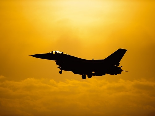 A U.S. Air Force F-16 Fighting Falcon prepares to land after completing a sortie during exercise Beverly Bulldog May 7, 2014, at Kunsan Air Base, South Korea. (Senior Airman Armando A. Schwier-Morales/Air Force)