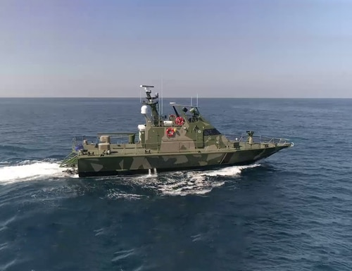 A boat is shown equipped with a iSea-25HD electro-optic unit. (Courtesy of Controp)