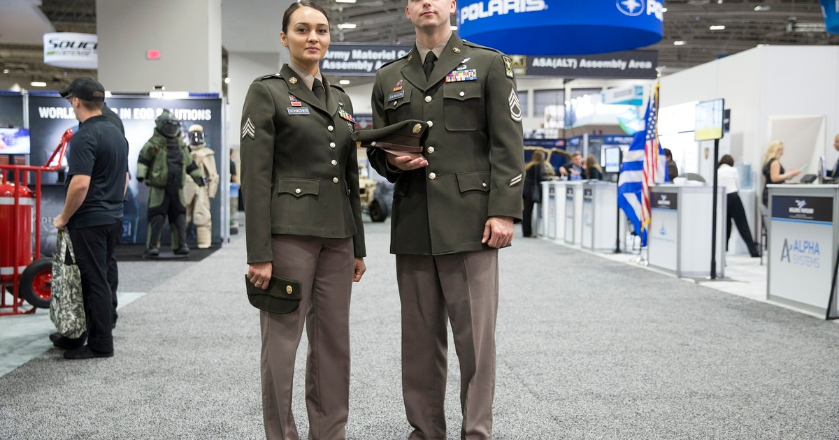 you re not seeing things soldiers at ausa are wearing prototype