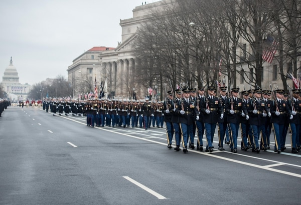 Soldiers from the 3rd U.S. Infantry Regiment and service members from around the Department of Defense participate in the 58th Presidential Inaugural parade in Washington D.C., January 20, 2017. (Pvt. Gabriel Silva/Army)
