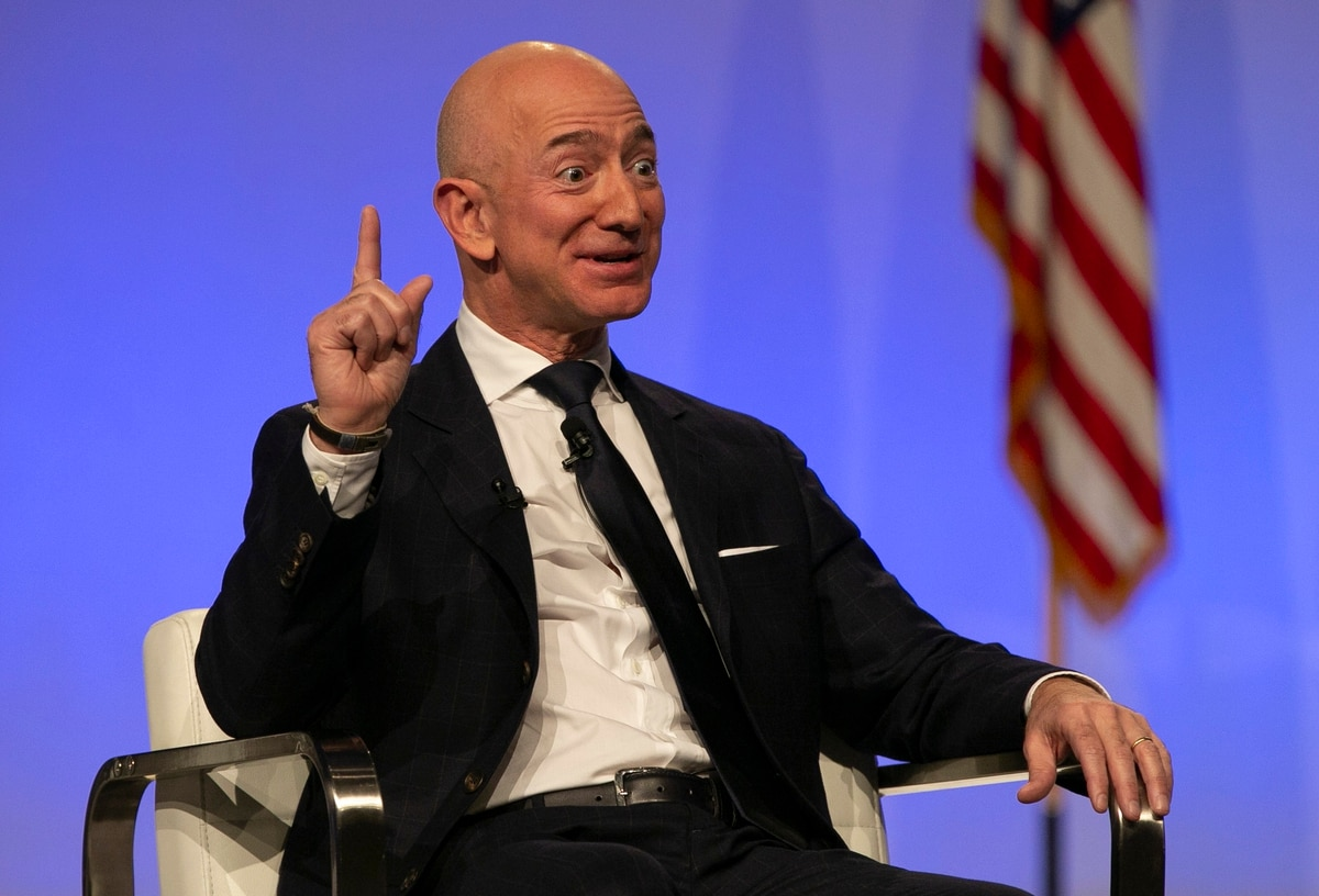 Bezos: Country 'in trouble' if tech firms turn from DoD