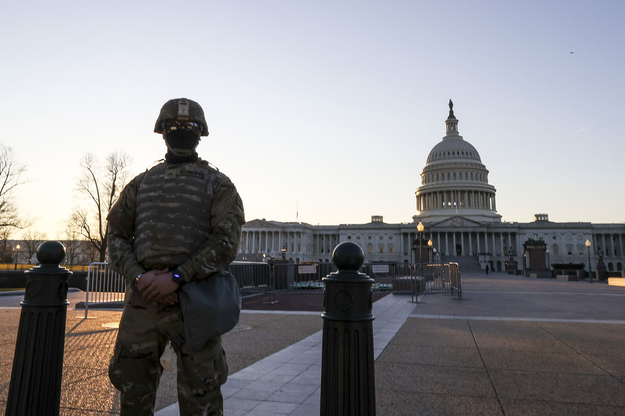 National Guard troops are authorized to carry their weapons on Capitol grounds