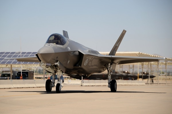 A Norwegian F-35 taxis after landing at Luke Air Force Base, Arizona, in June 2017. (A1C Alexander Cook/Air Force)