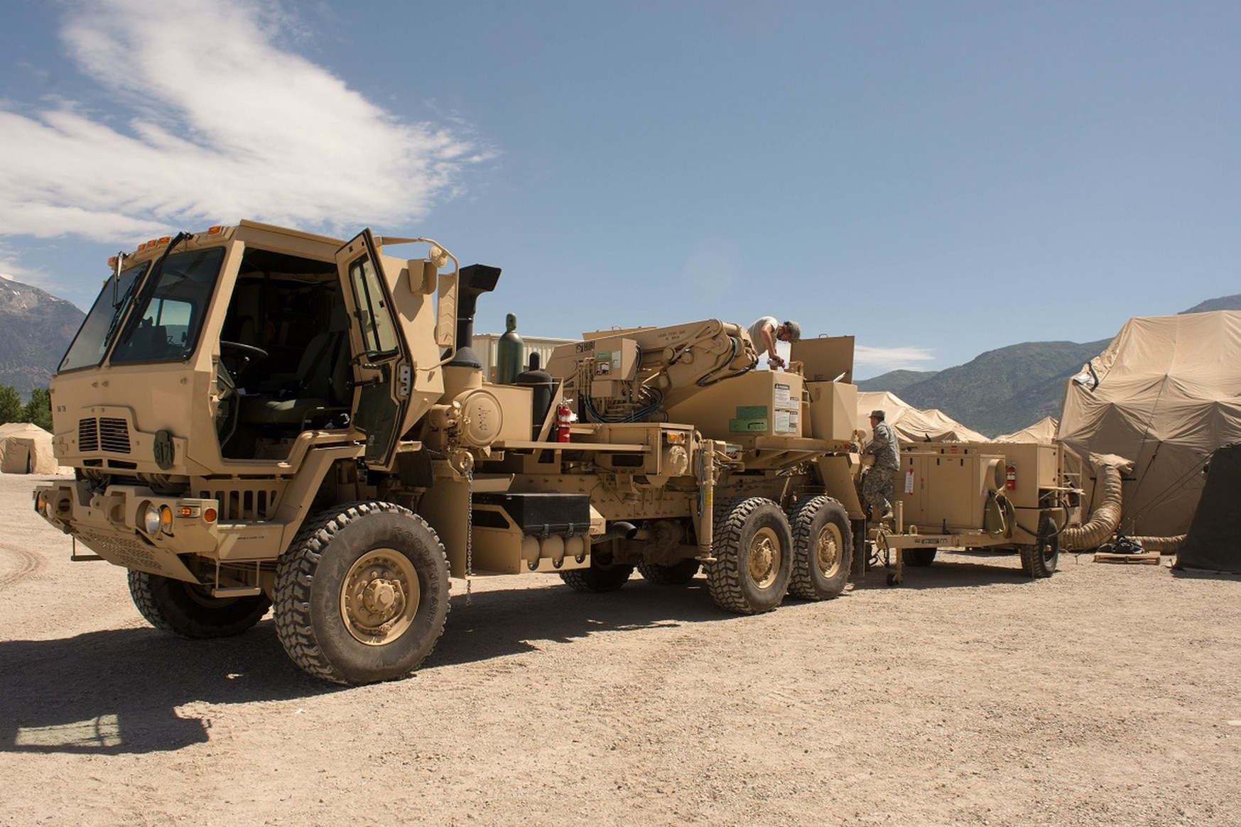 Oshkosh Defense has won a new contract to produce the next-generation variant of the Army's Family of Tactical Wheeled Vehicles. Pictured here is an FMTV 5-ton wrecker during Operation Sustain Fury in Ogden, Utah, June 10, 2017. (Photo by Sgt. Kayla Benson/U.S. Army)