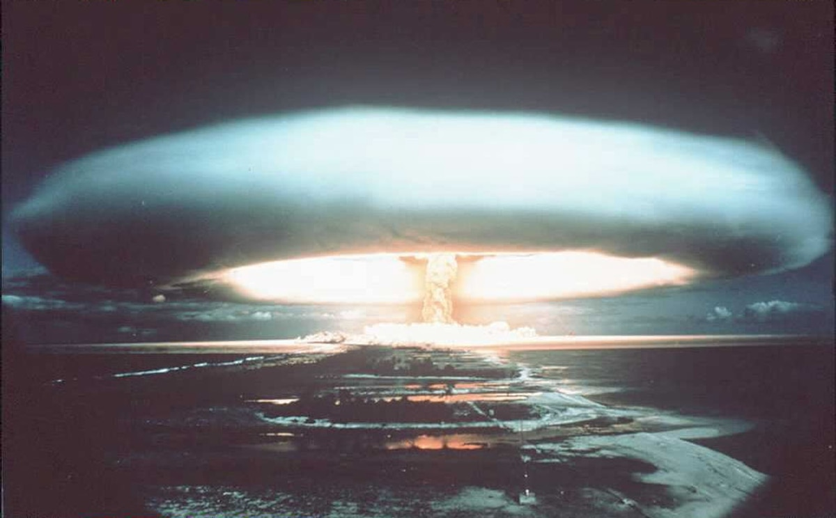 Banning nuclear weapons essay