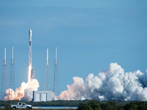 The Falcon 9 Starlink rocket successfully lifted off of Pad 40 on Jan. 29, 2020, at Cape Canaveral Air Force Station, Fla. (Airman 1st Class Zoe Thacker/U.S. Air Force)