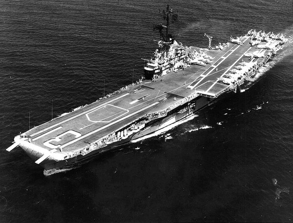 The aircraft carrier Bon Homme Richard underway in 1965. (U.S. Naval History and Heritage Command)