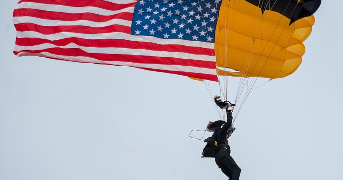 Three soldiers hospitalized after Golden Knights parachuting