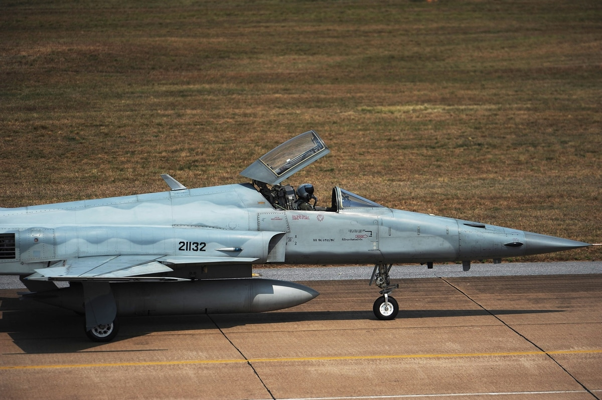 Thailand s air force requests funds to cover f 5 tiger ii for Tyndall afb alloggio cabine