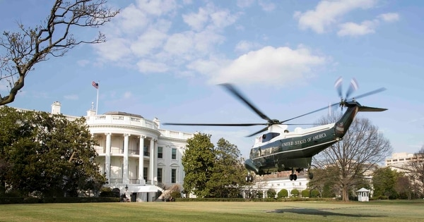 Marine One lands on the south lawn of the White House in Washington, D.C., on March 18, 2017. (Lance Cpl. Micha R. Pierce/Marine Corps)