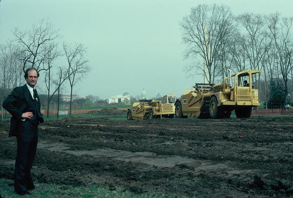 Author Robert W. Doubek visits the construction site March 19, 1982, as work begins on the Vietnam Veterans Memorial. (Courtesy photo via Karen Bigelow)