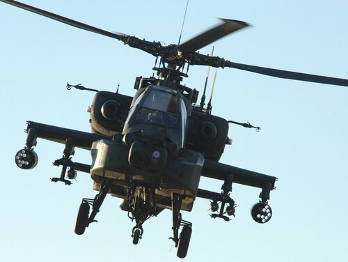An Army AH-64 Apache helicopter crashed April 7 at Fort Campbell, Kentucky. (Petty Officer 3rd Class Shawn Hussong/Navy)