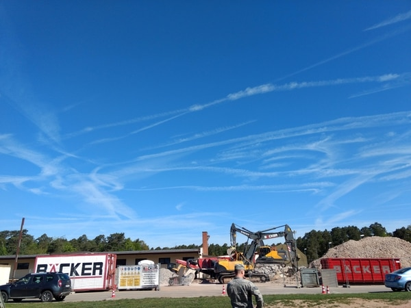 A Reddit post bragging of an Air Force sky penis over Ramstein Air Base in Germany epically failed to match the Navy's now-legendary rendering. (Screenshot/Reddit)