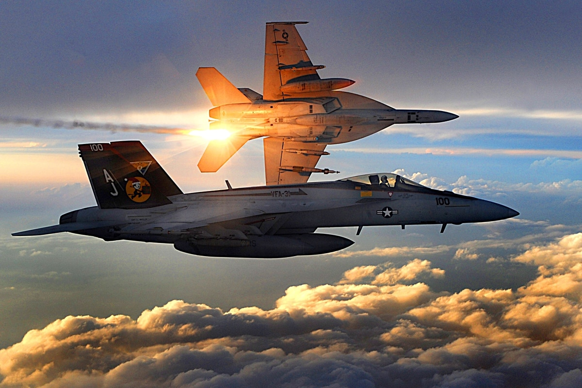 Report: F/A-18E crash during maneuvers 'preventable'