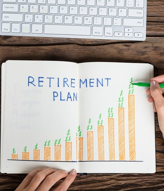 Federal employees face many potential pitfalls in planning for their eventual retirement. (AndreyPopov)