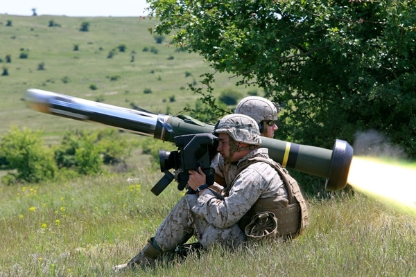 U.S. Marines with the Black Sea Rotational Force fire an FGM-148 Javelin at Babadag Training Area, Romania. (Staff Sgt. Jessica Smith/U.S. Marine Corps)