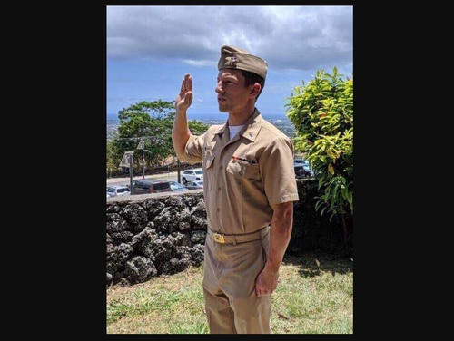 Navy Lt. Joshua Drablos, 27, was among 11 people killed when a skydiving plane crashed in Hawaii on June 21. (Photo courtesy Drablos family)