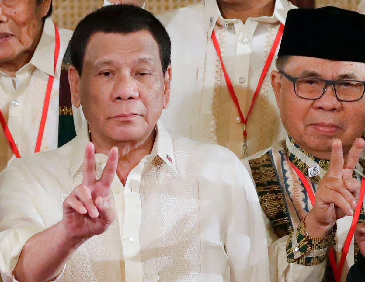 After snuggling up to China, Duterte now talks of 'suicide missions