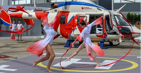 Some Russian firms that had placed in last year's Top 100 refused to share information with Defense News this year. Here, gymnasts perform at the Russian Helicopters static display during the 2019 Paris Air Show. (eric Piermont/AFP via Getty Images)