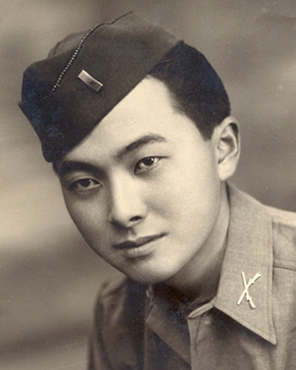 Lt. Daniel Inouye, an infantry platoon leader in the legendary 442nd Regimental Combat Team, received the Medal of Honor for his battlefield valor along the Gothic Line on April 21, 1945. (National Park Service)