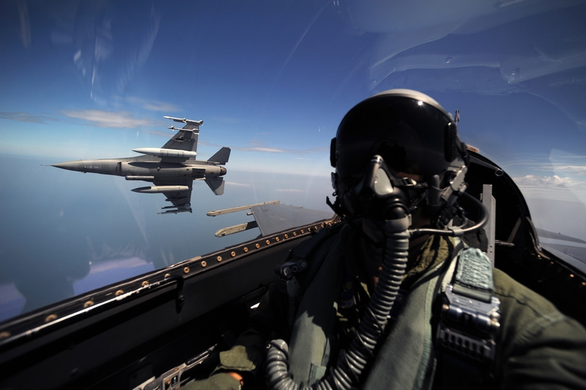 Air Force wants to nearly double fighter pilot retention pay