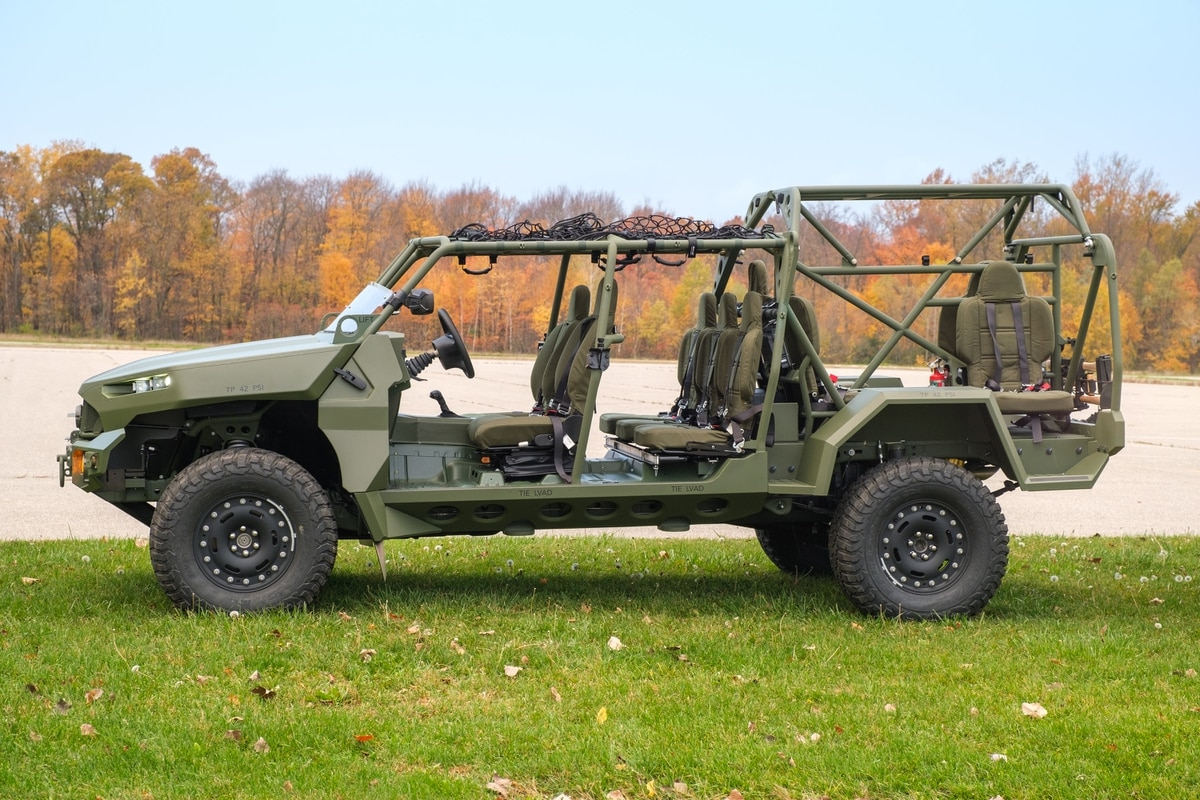 Us Army Gets First Infantry Squad Vehicle From Gm Defense