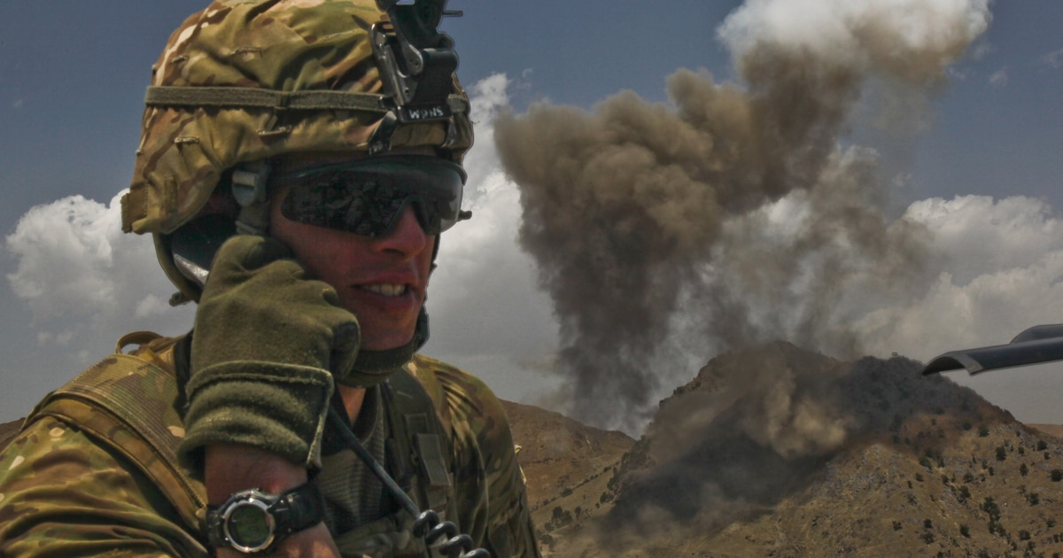 Exoskeletons and unjammable radios: Soldiers, academia team up to solve tactical troubles