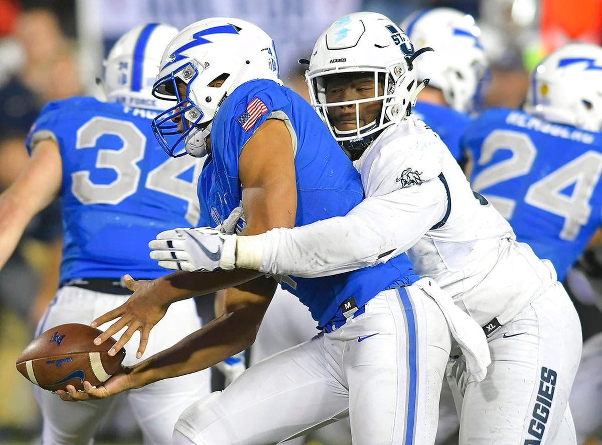 Utah State Holds Off Air Force For 42 32 Win