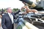 Hungary gets first batch of German Leopard-2 tanks