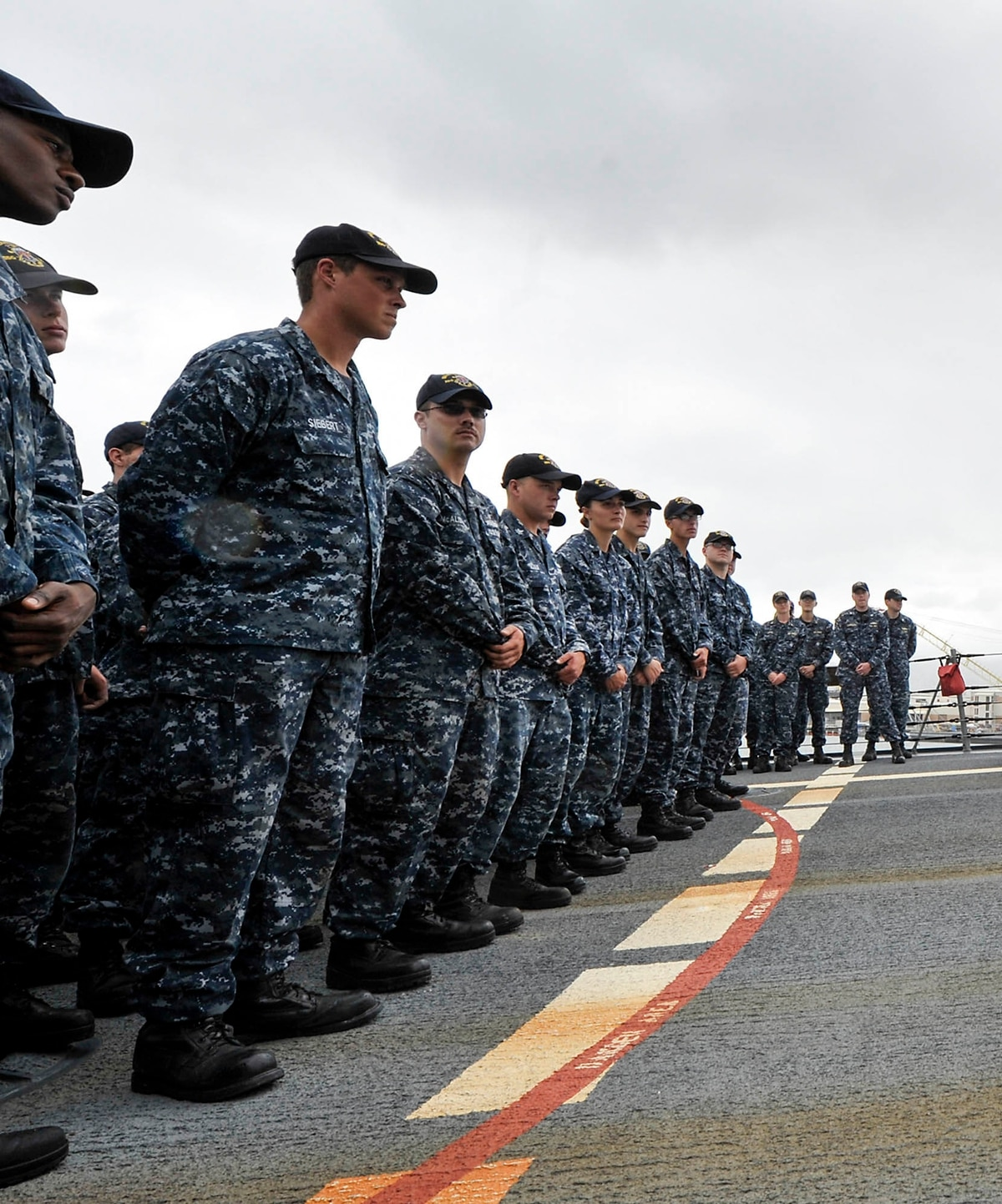 e76c42972d0 The Navy is ready to dump the military s most pointless uniform
